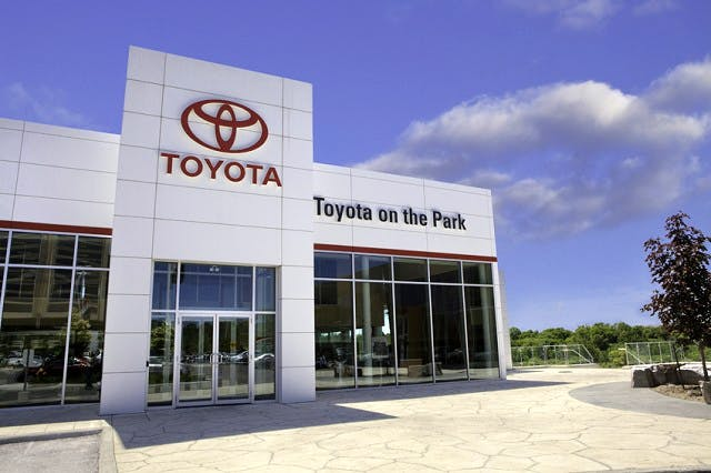 Toyota On the Park, Toronto, ON, M3C 2J7