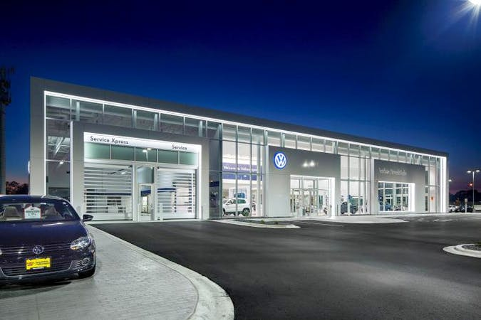 Luther Brookdale Volkswagen, Brooklyn Center, MN, 55429