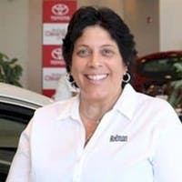 Lisa Leonetti at Holman Toyota