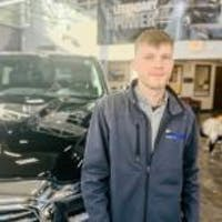 Hansen Olson at Russ Darrow Chrysler Jeep Dodge RAM of West Bend