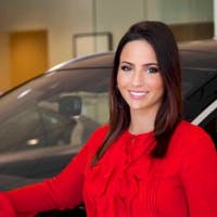 Noelle Duncko at Greenwich INFINITI