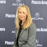 Suzi Hendrixson at Piazza Acura of West Chester