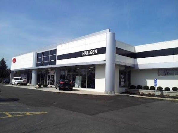 Halleen Kia, North Olmsted, OH, 44070
