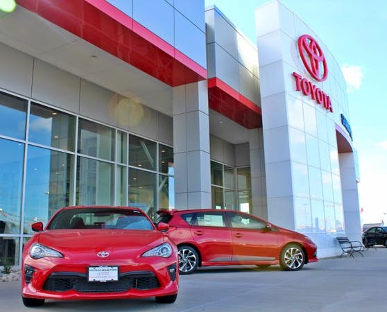 Car Dealerships In Grand Forks Nd >> Lithia Toyota Of Grand Forks Toyota Used Car Dealer