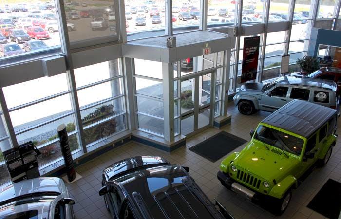 Varsity Chrysler Dodge Jeep, Calgary, AB, T2K 6K1