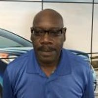 Ronnie Carter at Greenway Kia of Hickory Hollow