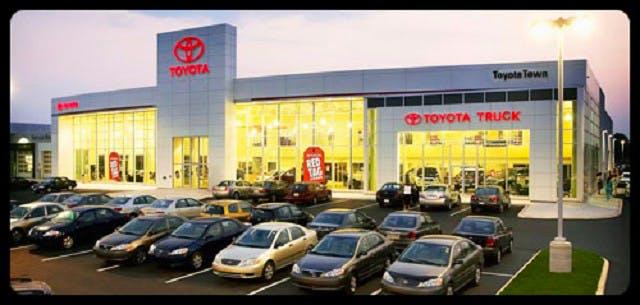 ToyotaTown, London, ON, N6L 1J9