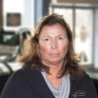 Linda Grandey at Mercedes-Benz of Raleigh - Service Center