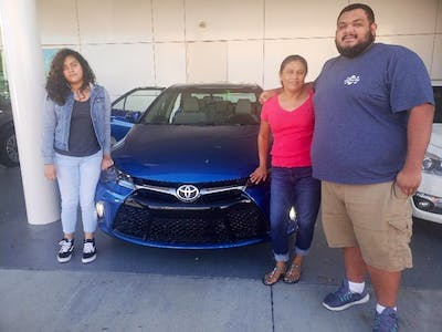 We Had A Very Good Experience With Shelly And The Dealership. They Answer  All Our Questions About The Vehicle And Showed Us New Features That Came  With.